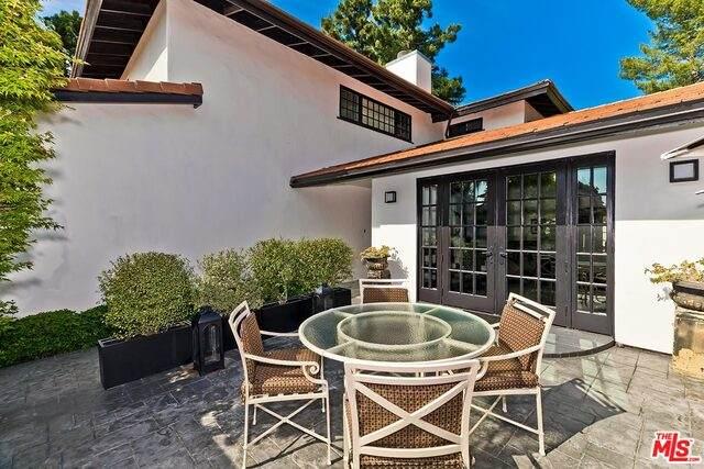3044 Greentree Ct, Los Angeles, CA 90077 (#20-585564) :: Randy Plaice and Associates