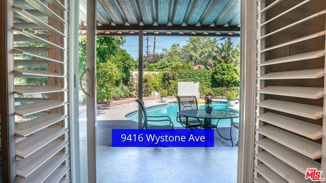 9416 Wystone Ave, Northridge, CA 91324 (#20-586354) :: Randy Plaice and Associates