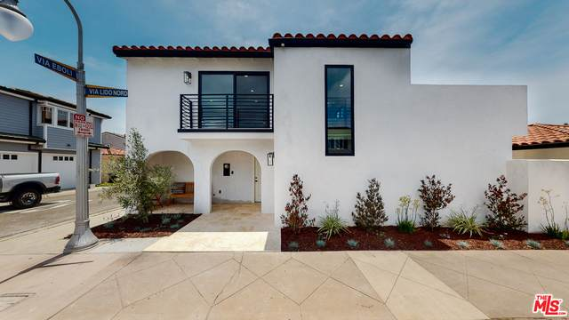 317 Via Lido Nord, Newport Beach, CA 92663 (#20-586428) :: Randy Plaice and Associates