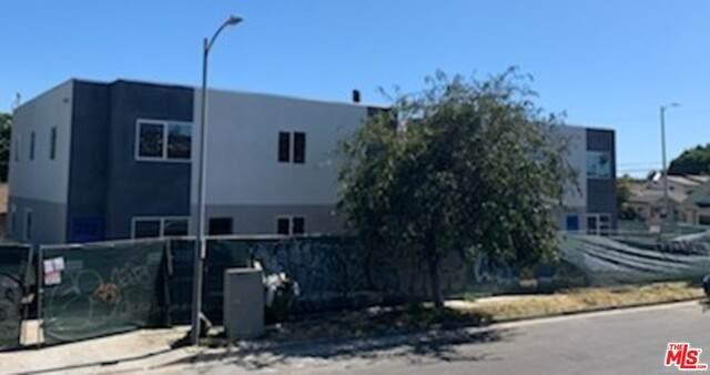 4150 S Normandie Ave, Los Angeles, CA 90037 (#20-593462) :: The Pratt Group