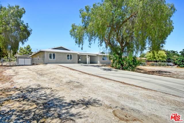 49220 Buena Vista Dr, Morongo Valley, CA 92256 (#20-594706) :: The Pratt Group
