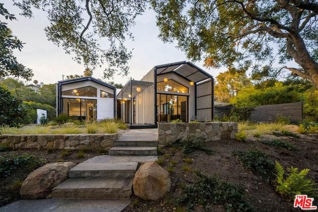 2888 Glendessary Ln, Santa Barbara, CA 93105 (#20-594962) :: Randy Plaice and Associates