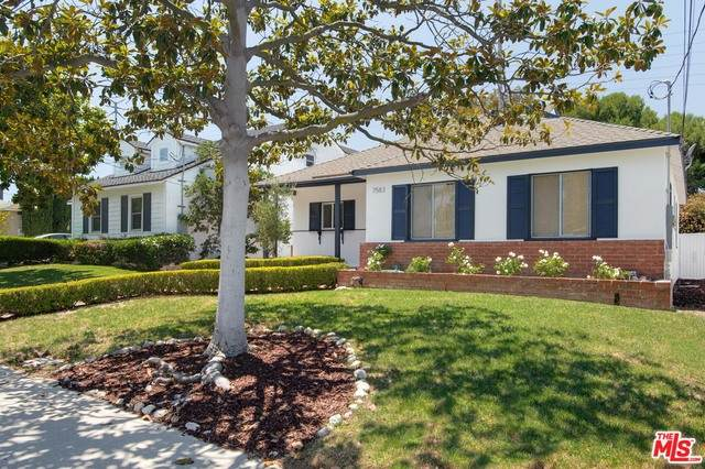 7583 Mcconnell Ave, Los Angeles, CA 90045 (#20-595190) :: The Suarez Team