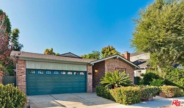 11439 Albata St, Los Angeles, CA 90049 (#20-595460) :: Randy Plaice and Associates