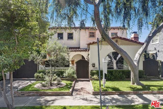 11326 Burnham St, Los Angeles, CA 90049 (#20-595908) :: Randy Plaice and Associates