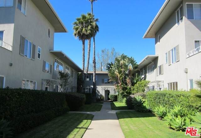 129 San Vicente Blvd - Photo 1