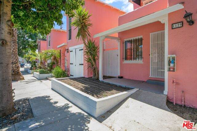 1117 N Gardner St, West Hollywood, CA 90046 (#20-596928) :: Randy Plaice and Associates