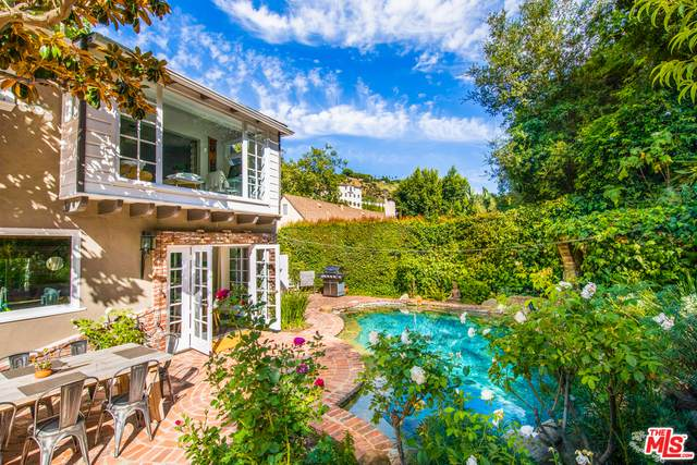 1531 Benedict Canyon Dr, Beverly Hills, CA 90210 (#20-597538) :: Randy Plaice and Associates