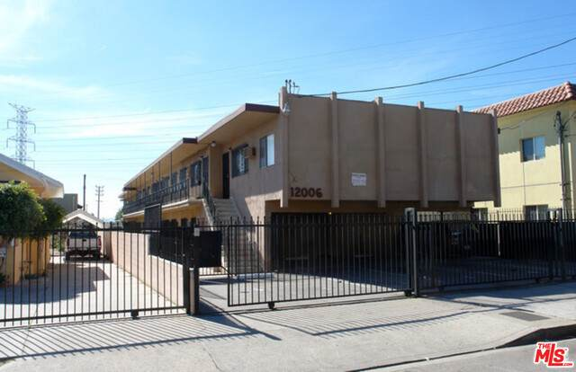 12006 Runnymede St, North Hollywood, CA 91605 (#20-597604) :: Randy Plaice and Associates