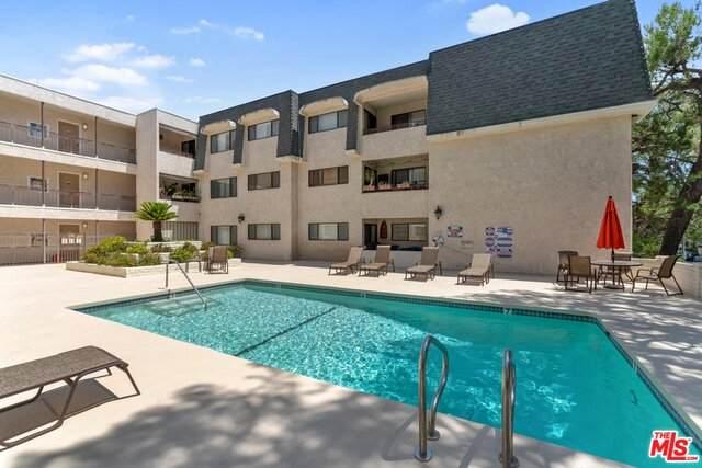 4700 Natick Ave #107, Sherman Oaks, CA 91403 (#20-598126) :: Randy Plaice and Associates
