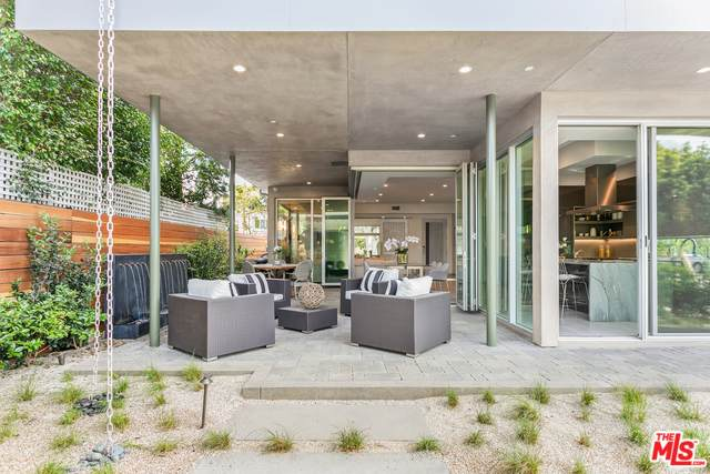 8945 Ashcroft Ave, West Hollywood, CA 90048 (#20-598754) :: Randy Plaice and Associates
