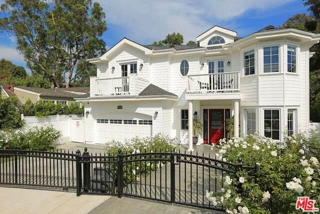 11911 Saltair Ter, Los Angeles, CA 90049 (#20-599010) :: Randy Plaice and Associates
