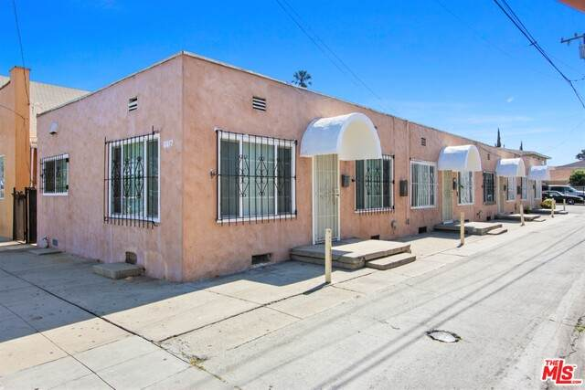 6417 Gifford Ave, Bell, CA 90201 (#20-599320) :: The Suarez Team