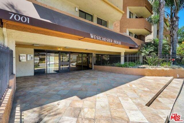 7001 S La Cienega Blvd #214, Los Angeles, CA 90045 (#20-599830) :: Randy Plaice and Associates