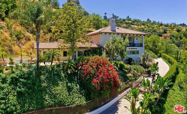 14764 Round Valley Dr, Sherman Oaks, CA 91403 (#20-599848) :: Randy Plaice and Associates