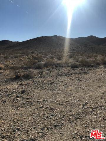 0 2 Mile Road #0, TWENTY-NINE PALMS, CA 92277 (#20-600240) :: The Pratt Group