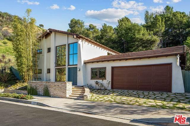 2550 La Condesa Dr, Los Angeles, CA 90049 (#20-600694) :: Randy Plaice and Associates