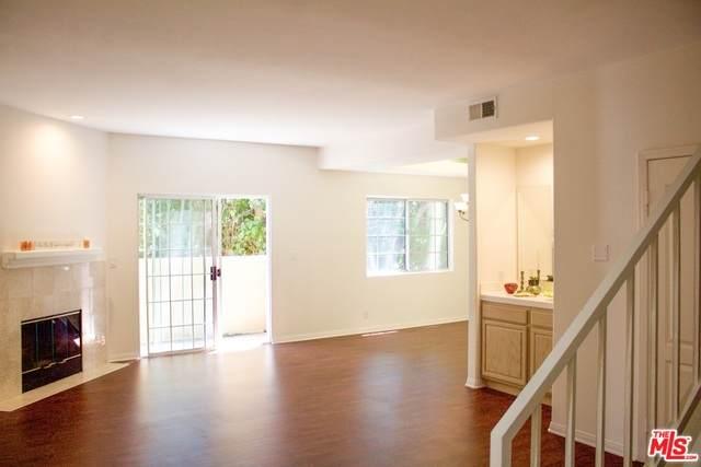 5240 N Vantage Ave #106, Valley Village, CA 91607 (#20-601170) :: Randy Plaice and Associates