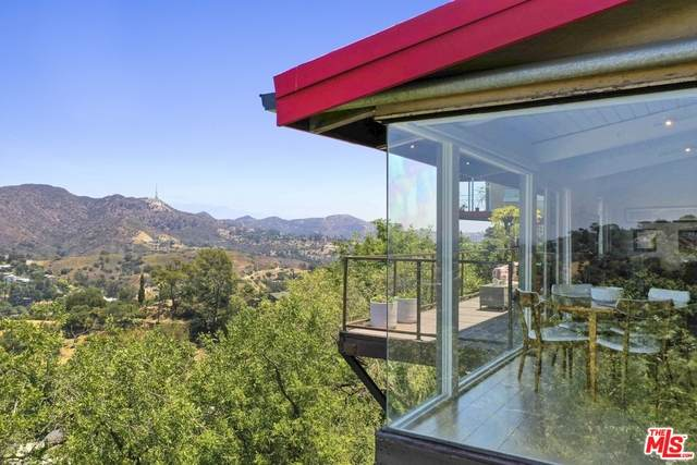 7185 Pacific View Dr, Los Angeles, CA 90068 (#20-601252) :: Randy Plaice and Associates