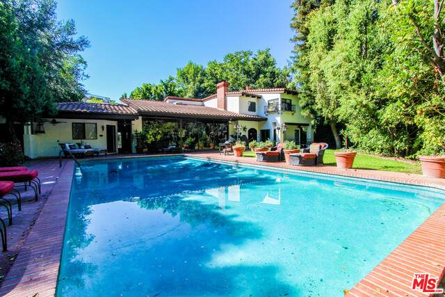 14527 Valley Vista Blvd, Sherman Oaks, CA 91403 (#20-601806) :: Randy Plaice and Associates