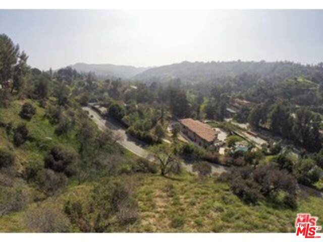 2811 Benedict Canyon Dr - Photo 1