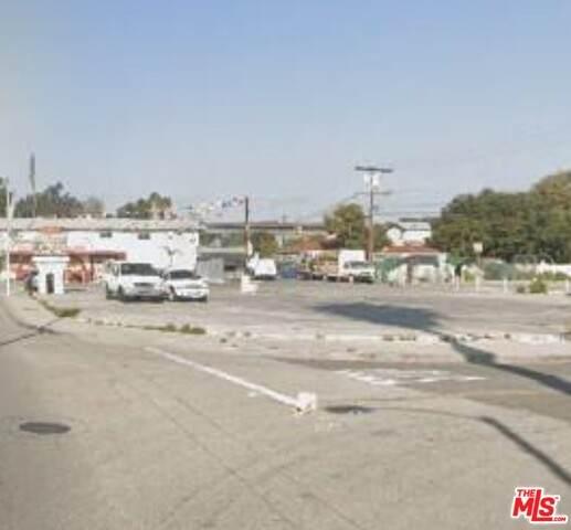 212 E Rosecrans Ave, Compton, CA 90222 (#20-609590) :: Randy Plaice and Associates