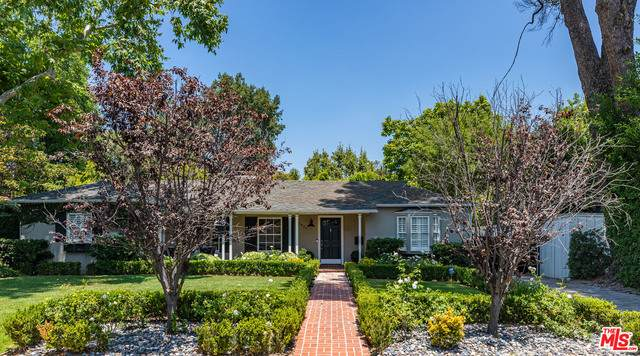 11931 Hesby St, Valley Village, CA 91607 (#20-609598) :: Randy Plaice and Associates
