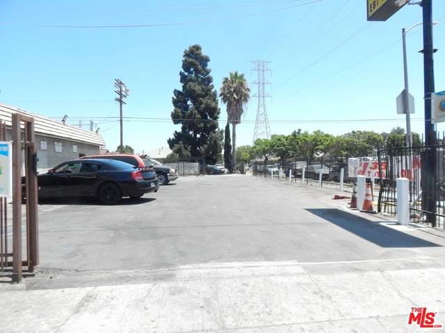 9716 S Main St, Los Angeles, CA 90003 (#20-611260) :: Randy Plaice and Associates