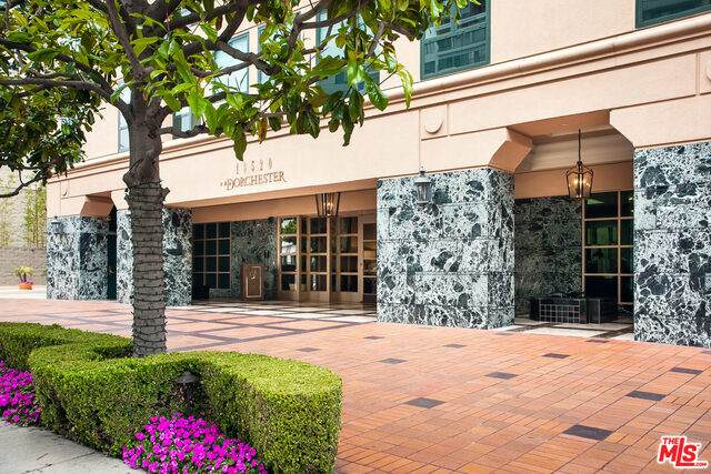 10520 Wilshire Blvd #706, Los Angeles, CA 90024 (#20-611292) :: Randy Plaice and Associates