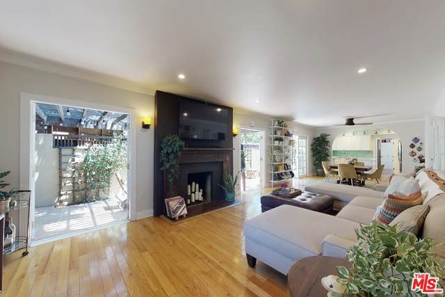 7606 Norton Ave, West Hollywood, CA 90046 (#20-611306) :: Randy Plaice and Associates