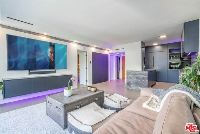 838 N Doheny Dr #804, West Hollywood, CA 90069 (#20-611514) :: TruLine Realty