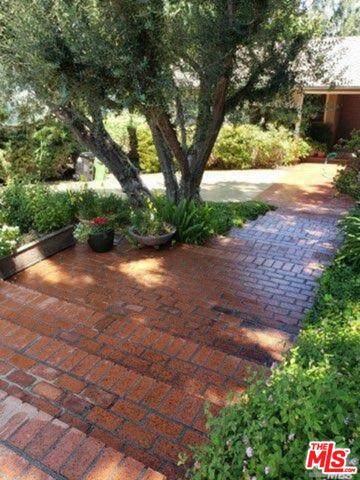 21849 De La Luz Ave, Woodland Hills, CA 91364 (#20-611528) :: Randy Plaice and Associates