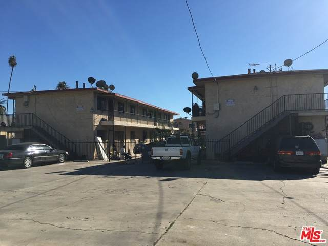 707 W 82Nd St, Los Angeles, CA 90044 (#20-611908) :: Randy Plaice and Associates