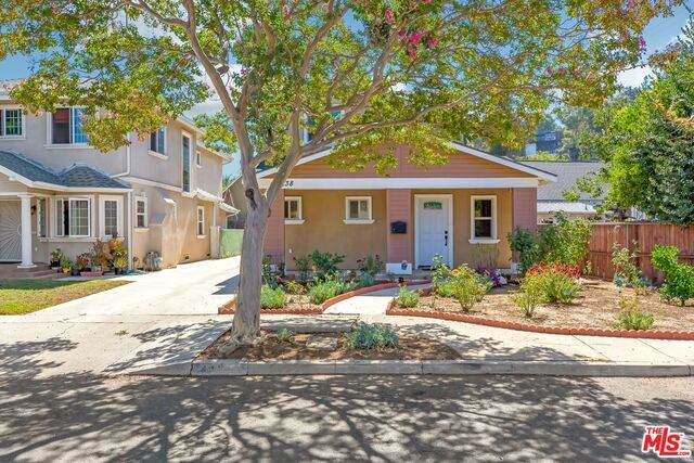 4838 N Maywood Ave, Los Angeles, CA 90041 (#20-613096) :: TruLine Realty