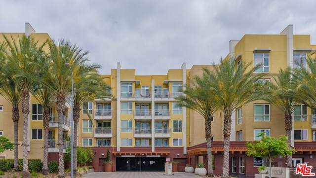 21301 Erwin St #503, Woodland Hills, CA 91367 (#20-613388) :: Randy Plaice and Associates