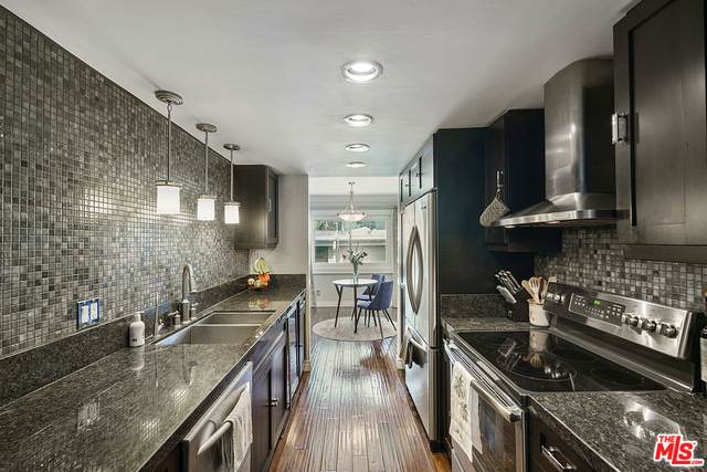 1203 N Sweetzer Ave #312, West Hollywood, CA 90069 (#20-613830) :: TruLine Realty