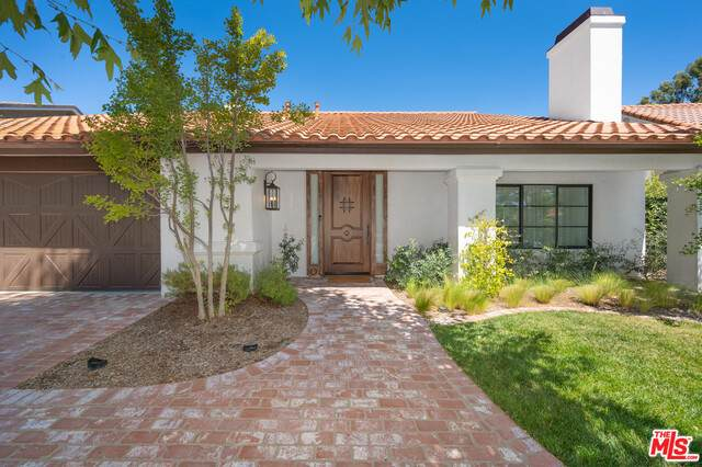 29475 Fountainwood St, Agoura Hills, CA 91301 (#20-614210) :: Randy Plaice and Associates