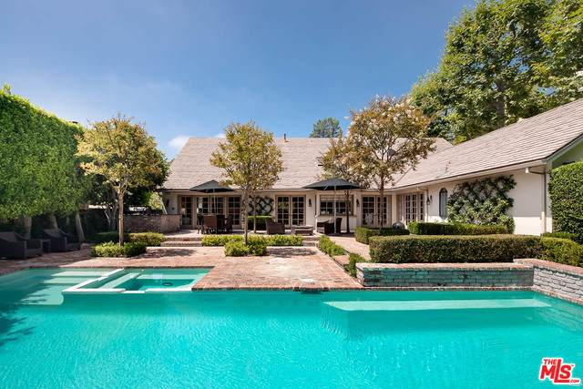 2830 Royston Pl, Beverly Hills, CA 90210 (#20-614832) :: TruLine Realty