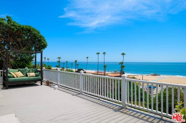 16 Vista Ter, Pacific Palisades, CA 90272 (#20-614854) :: Randy Plaice and Associates