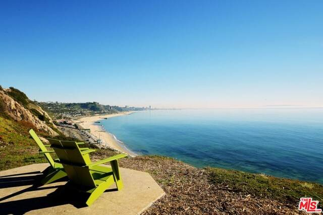 17368 W Sunset Blvd #103, Pacific Palisades, CA 90272 (#20-614924) :: Randy Plaice and Associates