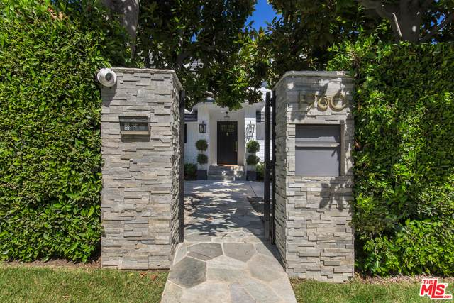 1960 Coldwater Canyon Dr, Beverly Hills, CA 90210 (#20-615072) :: Randy Plaice and Associates