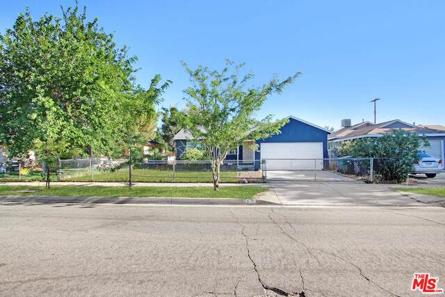 621 W Avenue H8, Lancaster, CA 93534 (#20-615660) :: Randy Plaice and Associates