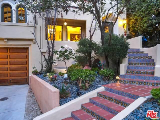 8061 Woodland Ln, Los Angeles, CA 90046 (#20-615760) :: Randy Plaice and Associates