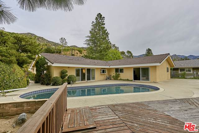 1002 El Vago St, La Canada Flintridge, CA 91011 (#20-615782) :: Randy Plaice and Associates