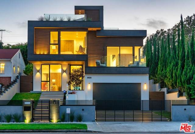 3029 Castle Heights Ave, Los Angeles, CA 90034 (#20-617066) :: Randy Plaice and Associates