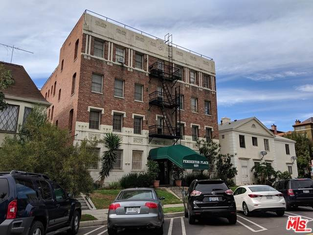 607 S Dunsmuir Ave #102, Los Angeles, CA 90036 (#20-617322) :: The Pratt Group