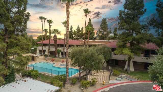 2857 N Los Felices Rd #207, Palm Springs, CA 92262 (#20-618774) :: Randy Plaice and Associates