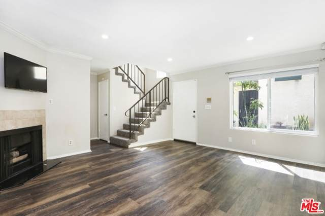 4500 W 173Rd St #9, Lawndale, CA 90260 (#20-620218) :: The Parsons Team
