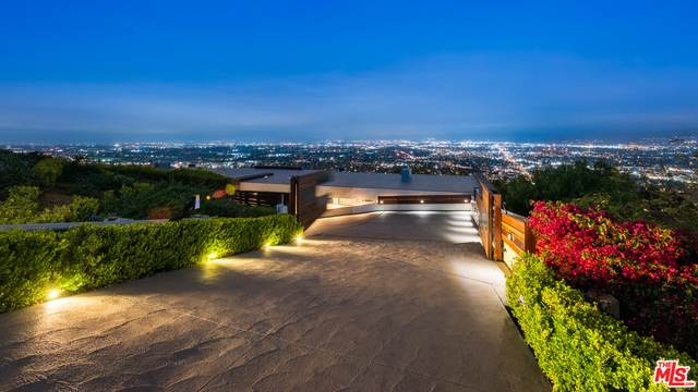 7863 Mulholland - Photo 1