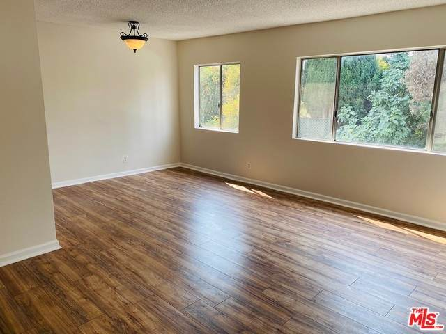 20246 Cohasset St #19, Winnetka, CA 91306 (#20-622344) :: HomeBased Realty